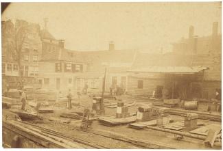 Op stapel zetten van de Van Galen, 1890