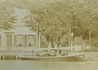 Salonboot op de Vecht bij Vreeland